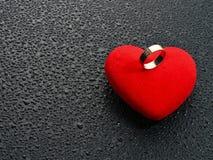 кольцо красного цвета сердца Стоковое Фото