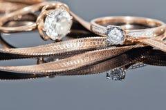 Кольцо, серьги и цепи золота Стоковые Изображения RF