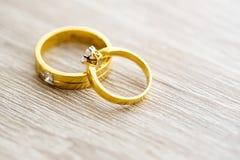 Кольцо с бриллиантом, обручальное кольцо, цена невесты обручального кольца закрепляя цифровая иллюстрация градиента включила симв стоковая фотография rf
