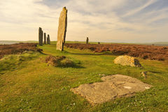 Кольцо Brodgar, плоский сляб, Stenness, острова Orkney Стоковые Изображения RF
