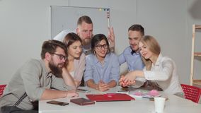 Команда дела принимая фото команды сток-видео