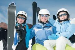 команда лыжи семьи счастливая Стоковое Фото