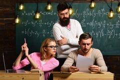 Команда сети технологии соединения цифров Концепция маркетинга цифров Технология прибора цифров в школе цифрово Стоковое Фото
