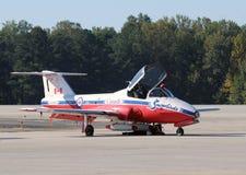 команда snowbirds aerobatics канадская Стоковое Изображение RF