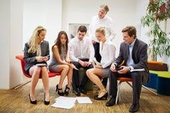 Команда дела во время встречи стратегии Стоковые Изображения