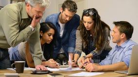команда дела совместно работая акции видеоматериалы