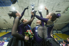 Команда Канада одно представляя с трофеем Стоковая Фотография