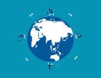 Команда коммерсантки бежать на глобусе для успеха Дело концепции Стоковые Фотографии RF