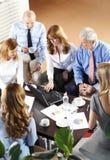 команда мегафона человека повелительницы кофе дела Стоковая Фотография