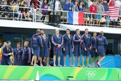 Команда США водного поло перед спичкой ` s людей Олимпиад Рио 2016 предварительной круглой против команды Франции на аквацентре М Стоковое Изображение