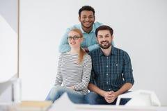 Команда творческих коллег в современном офисе Стоковое Фото