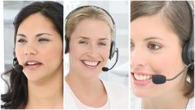 Команда людей работая в центре телефонного обслуживания сток-видео