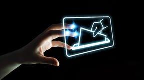 Коммерсантка голосуя используя перевод цифрового интерфейса 3D Стоковое Изображение