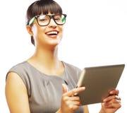 Коммерсантка используя планшет стоковое изображение rf
