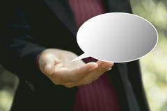 Коммерсантка с стикерами пузырей речи Пустое пустое speec Стоковые Фотографии RF