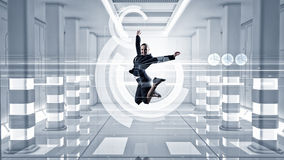 Коммерсантка танцев в виртуальной комнате Мультимедиа Стоковые Изображения