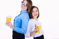 Коммерсантки на перерыве на чашку кофе Стоковое фото RF