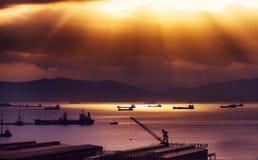 Коммерчески корабли порта в заливе Стоковая Фотография RF