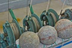 коммерчески рыболовные принадлежности downrigger стоковые изображения rf