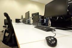 Комната лаборатории компьютера Стоковое фото RF