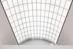 Комната большого окна в крыше освещающая Стоковое фото RF