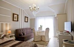 Комната гостиницы или пансиона элегантная стоковое изображение rf