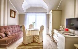 Комната гостиницы или пансиона элегантная стоковое изображение