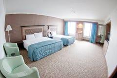 комната гостиницы самомоднейшая стоковое изображение rf