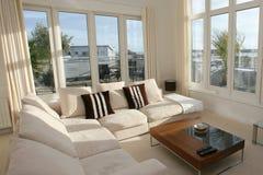 комната домашнего интерьера живя самомоднейшая Стоковое Изображение RF