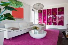 комната дома живя самомоднейшая Стоковое фото RF