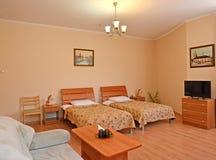 комната интерьера гостиницы спальни Современные классики стоковое изображение rf