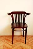 комната коричневого стула старая Стоковые Фотографии RF