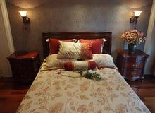 комната кровати живущая Стоковое фото RF