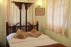 Комната кровати старого стиля Стоковое Изображение