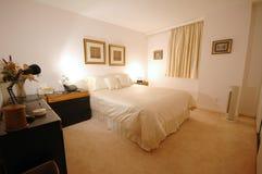 комната кровати Стоковая Фотография