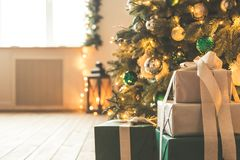 Комната рождества живущая с рождественской елкой Стоковое Изображение