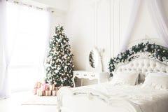 Комната рождества живущая с рождественской елкой, Стоковая Фотография