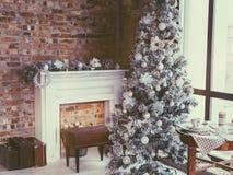 Комната рождества просторной квартиры Стоковая Фотография