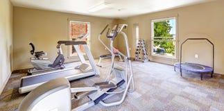 Комната спортзала для резидентов в жилом доме Tacomea Стоковое Изображение RF