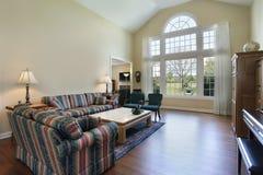 комната твёрдой древесины настила живущая Стоковые Фото