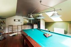 Комната billard чердака для роскошных людей Стоковые Изображения