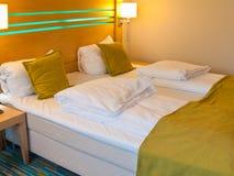 комната dof кровати нутряная отмелая Стоковые Изображения RF