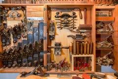 Комод инструмента Woodworkers винтажный Стоковая Фотография RF