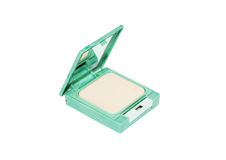 Компактируйте отжатый порошок в зеленой коробке изолированной на белой предпосылке Стоковое Изображение RF