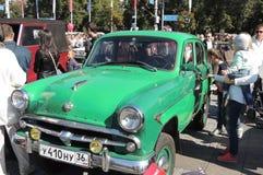 Компактный автомобиль Moskvitch 402 стоковые фотографии rf