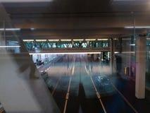Компактный мост с пассажирами, Цюрих-авиапорт ZRH Стоковое фото RF