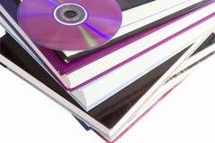 компактный диск книги Стоковая Фотография
