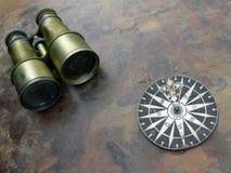 компас биноклей стоковые изображения rf