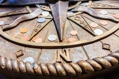 Компас молит для направлять на всю жизнь к счастливому Стоковая Фотография RF