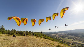 Компиляция взлет параглайдинга стоковая фотография rf